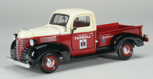 ZJD-1793 - Spec-cast Farmall IH 1941 Plymouth Pickup Truck