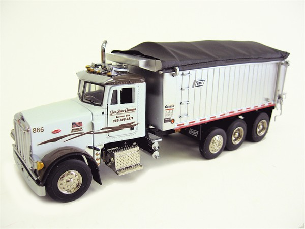 2042-RKT - Sword Rick Kuntz Peterbilt 357 Rigid