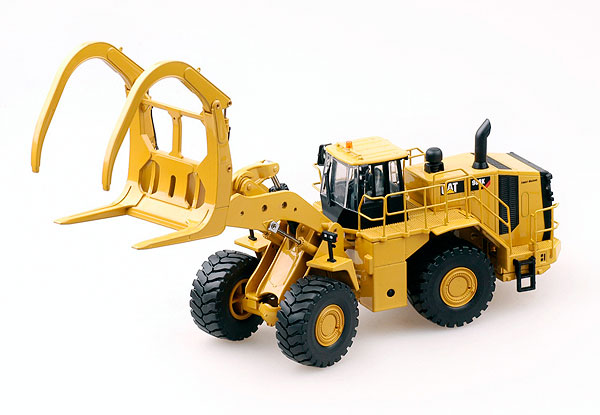 10011 - Tonkin Replicas Caterpillar 988K MA Wheel Loader