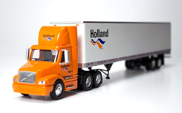 12-0048 - Tonkin Replicas Holland Volvo VN Day Cab