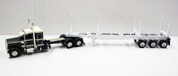 56012 - Tonkin Replicas Peterbilt 389