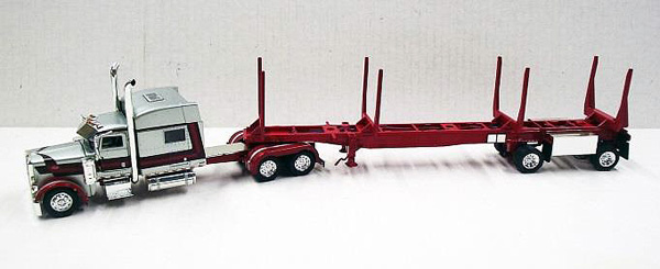 56021 - Tonkin Replicas Peterbilt 389
