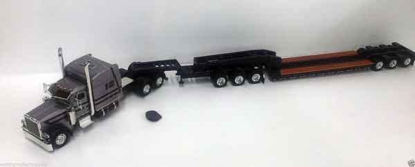 600047 - Tonkin Replicas Peterbilt 389