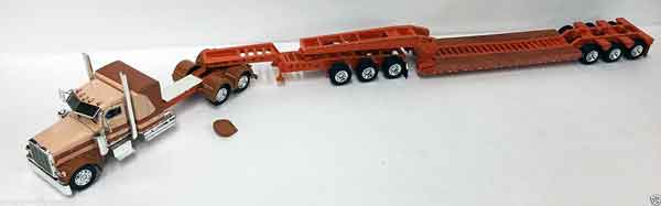 600051 - Tonkin Replicas Peterbilt 389