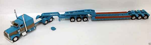 600058 - Tonkin Replicas Peterbilt 389