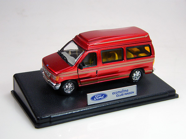 18311R - Unique Replicas Ford Econoline Club Wagon
