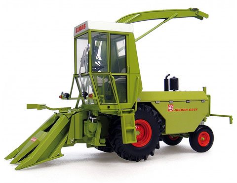 2747 - Universal Hobbies Claas Jaguar 60 SF Forage Harvester