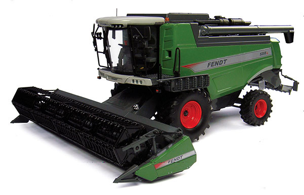 4193 - Universal Hobbies Fendt 5255L Combine Diecast metal construction