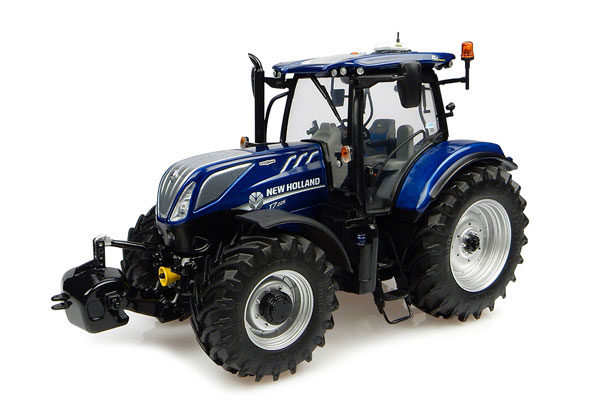 4900 - Universal Hobbies Blue Power New Holland T7225 Tractor