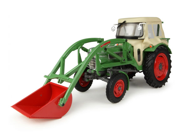 4946 - Universal Hobbies Fendt Farmer 2 Tractor
