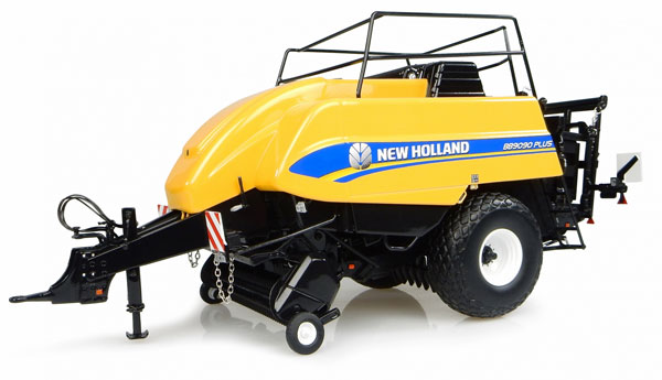 4960 - Universal Hobbies New Holland BB9090 Plus Large Square