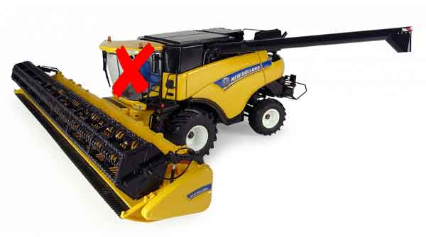 4986-X - Universal Hobbies New Holland CR9080 Combine CAB IS