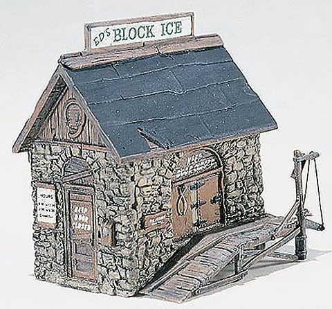 D219 - Woodland Scenics Scenic Details Ice House HO Scale
