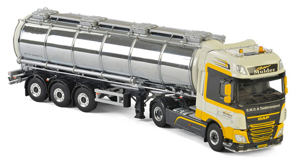 01-2343 - WSI Model Peter Mulder DAF XF SSC Tractor
