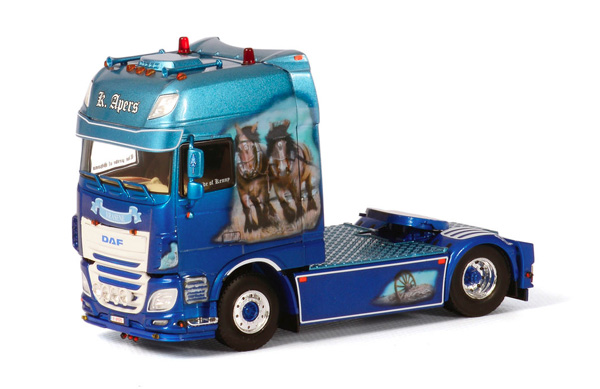 05-0057 - WSI Model K Apers DAF XF SSC Showtruck