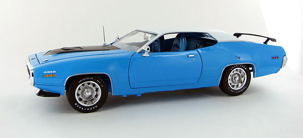 1012 - American Muscle 1971 Plymouth Roadrunner
