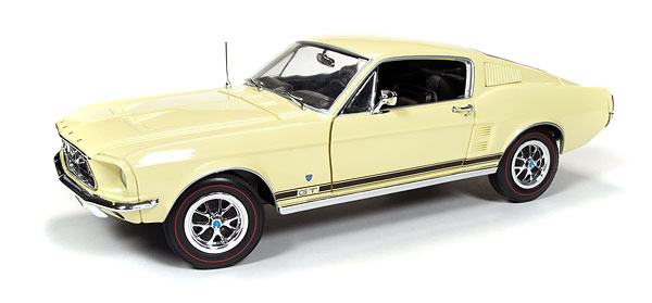 1038 - American Muscle 1967 Ford Mustang GT Golden 50th Anniversary