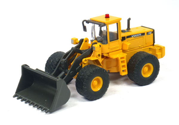 810-003 - Cararama Volvo L150C Wheel Loader