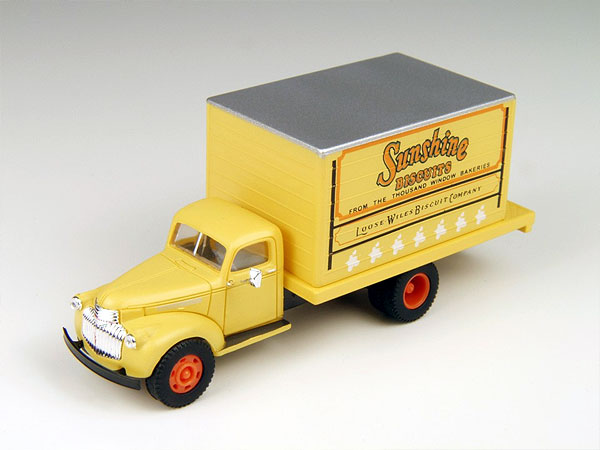 30333 - CMW Sunshine Biscuits 1941 1946 Chevrolet Delivery Truck