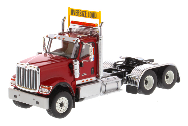 71002 - Diecast Masters International HX520 Day Cab Tandem Tractor