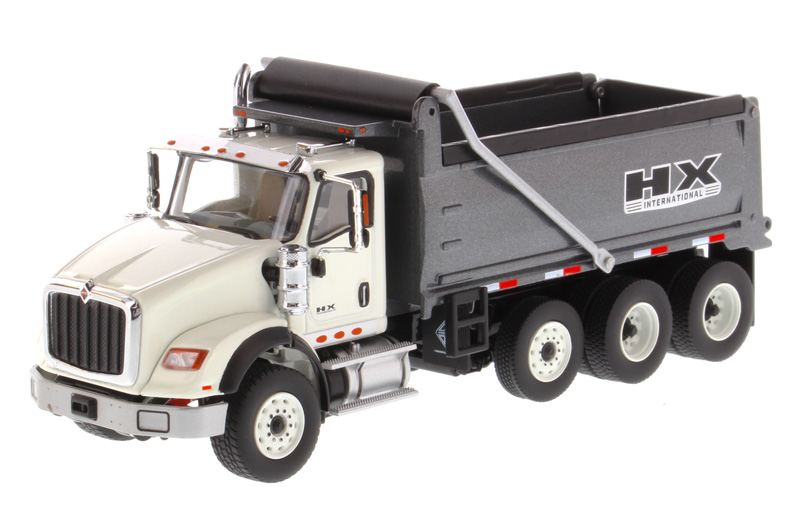 71013 - Diecast Masters International HX620 Dump Truck