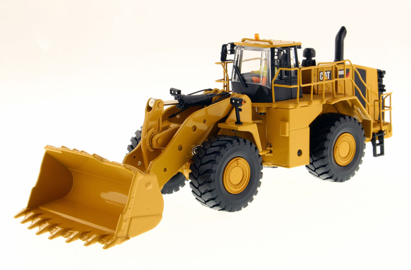 85901 - Diecast Masters Caterpillar 988K Wheel Loader High Line Series