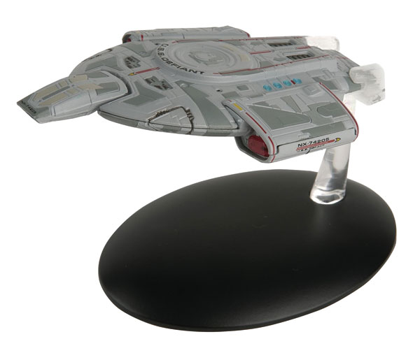 ST09 - Eaglemoss Star Trek USS Defiant NX 74205 Star