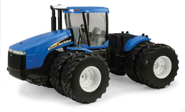 13864 - ERTL Toys New Holland TJ 4 Wheel Drive Tractor