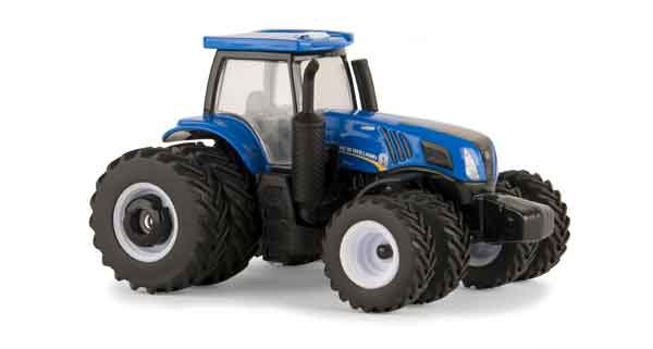13865 - ERTL Toys New Holland T8435 Tractor