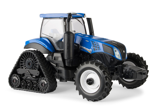 13897 - ERTL Toys New Holland T8435 Smarttrax Tractor