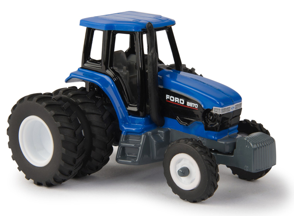 13918 - ERTL Toys Ford 8870 Tractor