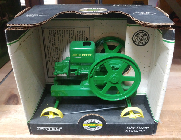 4350-JD - ERTL Toys John Deere Model E Vintage Gasoline Engine