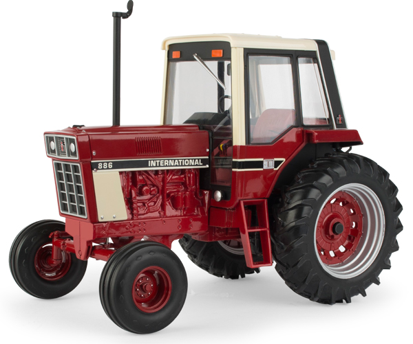 44159A - ERTL Toys International Harvestor 886 Tractor 2018 National Farm