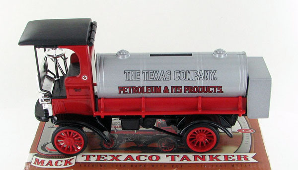 F122 - ERTL Toys Texaco 12 1995 1910 Mack Chain Driven