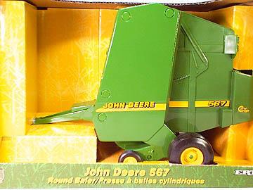 ERTL Toys John Deere 567 Round Baler