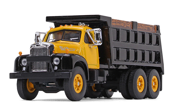 60-0403 - First Gear Replicas Mack B 61 Dump Truck