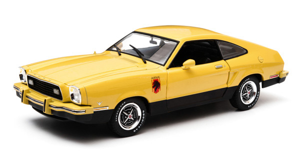 12889 - Greenlight Diecast 1976 Ford Mustang II Stallion