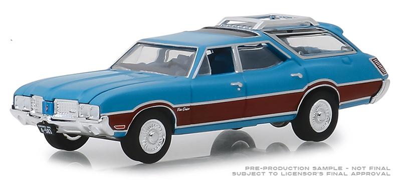 GreenLight 1//64 1972 Oldsmobile Vista Cruiser Viking Blue and Wood Grain 29950-D