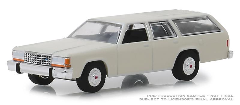 Greenlight 1:64 Ford LTD Crown Victoria Wagon White No Box