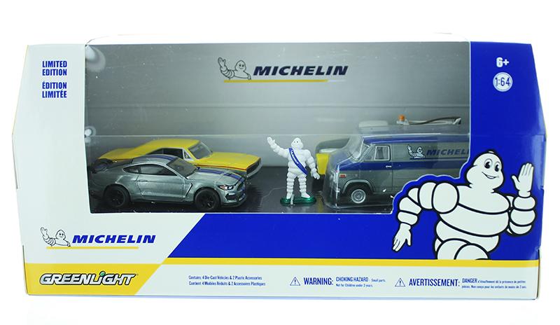 MICHELIN 4 voiture Set avec michelin man échelle 1:64 Greenlight 58049
