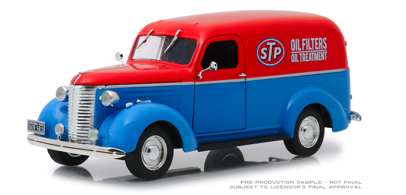 85022 - Greenlight Diecast STP 1939 Chevrolet Panel Truck 1 24