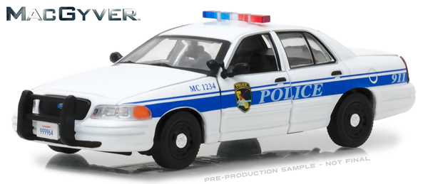 86520 - Greenlight Diecast 2003 Ford Crown Victoria Police Interceptor MacGyver