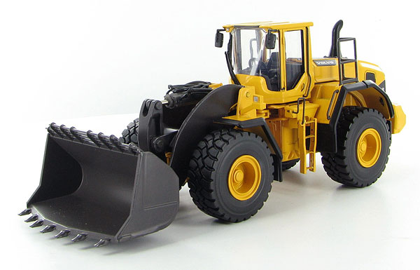 300030 - Motorart Volvo L250G Wheel Loader