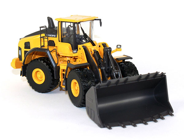 300052 - Motorart Volvo L180H Wheel Loader