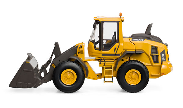 300065 - Motorart Volvo L90H Wheel Loader Operating boom and