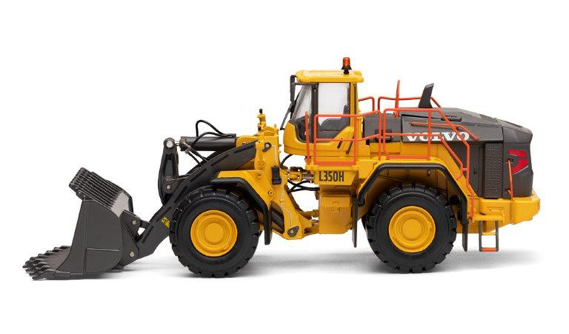 300082 - Motorart Volvo L 350H Wheel Loader