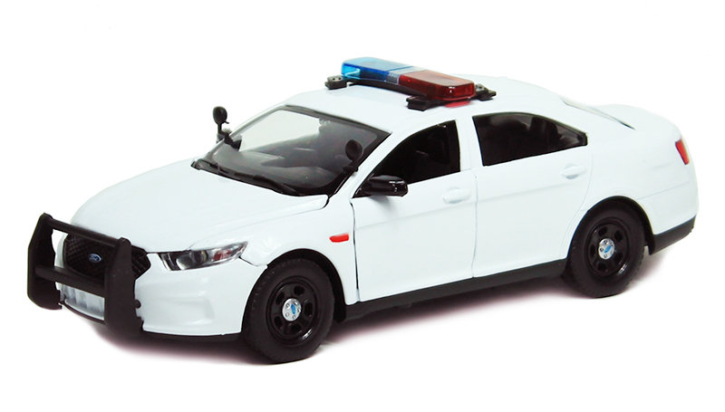 79538 - Motormax Police 2013 Ford Police Interceptor Sedan