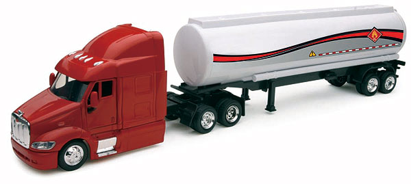 15423D - New-Ray Toys Peterbilt 387 Petroleum Transporter cab is