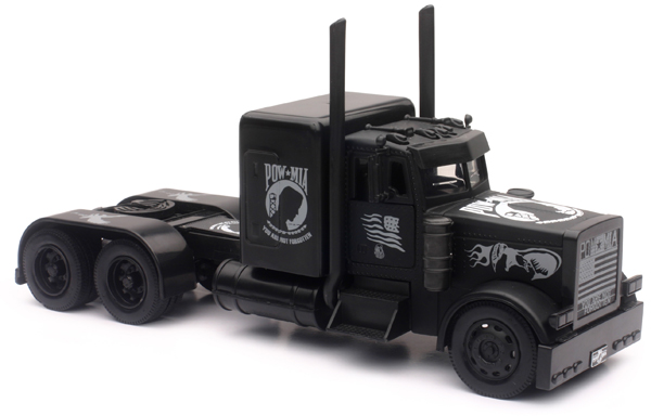 SS-11643 - New-Ray Toys Black Out Peterbilt 379
