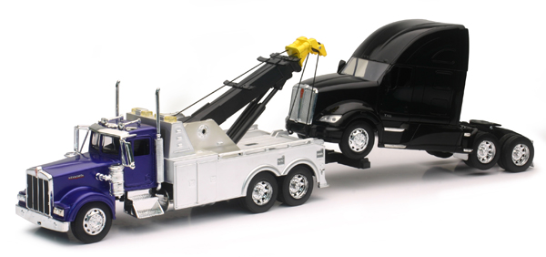 SS-12873 - New-Ray Toys Kenworth Tow Truck Pulling A Kenworth T700